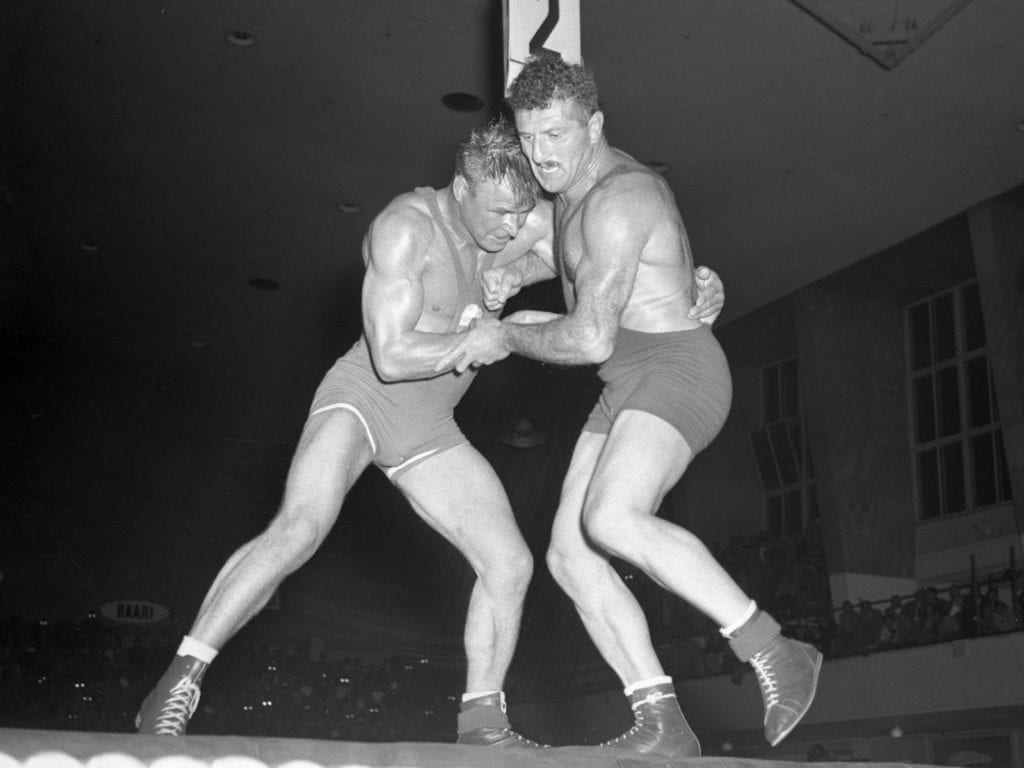Kelpo Gröndahl of Finland (left) and Shalva Chikhladze of the USSR
